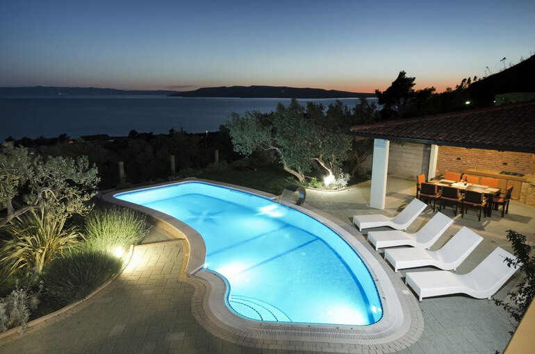 Croatian Luxury Pool Villa Preciosa Makarska Riviera