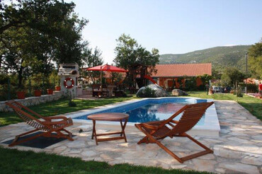 Croatia pool villa in coutryside  (1)