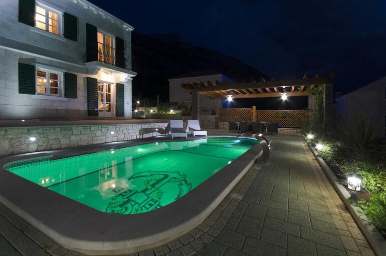 Pool villa makarska riviera - Riviera pool ...