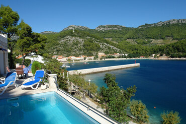 Seafront Croatia Peljesac Holiday house  (1)