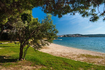 Croatian Beachfront Villa Trogir Riviera  (21)