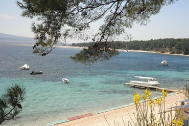 borak and zlatni rat beach