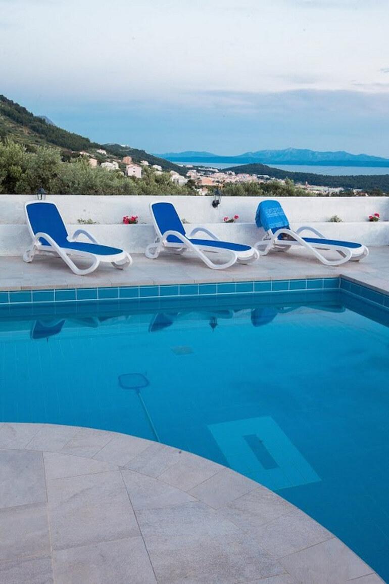 Holiday pool villa white makarska santo for Riviera house