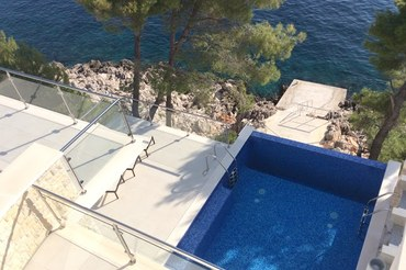 Luxury Korcula VIlla on beach with pool  (1)