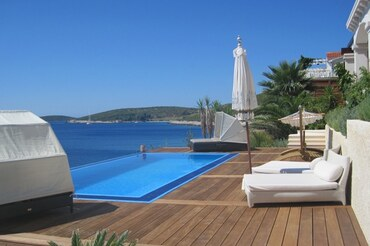 1 Luxury Vis Croatia Villa with pool