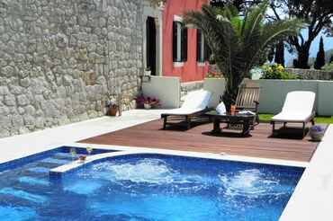 86 Dubrovnik Luxury Villa Rustika Holiday villa with pool (2)